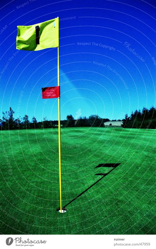 Perforated Flag Cross processing Green Sky Summer Golf Hollow Blue Lawn crossed fetch Target goal Golf course