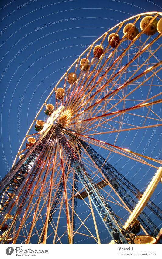 REEEEEEEEE WHEEL Ferris wheel Fairs & Carnivals Evening Markets Feasts & Celebrations Lamp Dusk