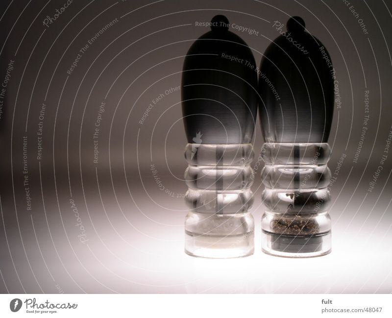 pepper and salt Herbs and spices Kitchen Household Containers and vessels Round Transparent Grain Under Stand 2 Side by side Reflection Worm's-eye view Style