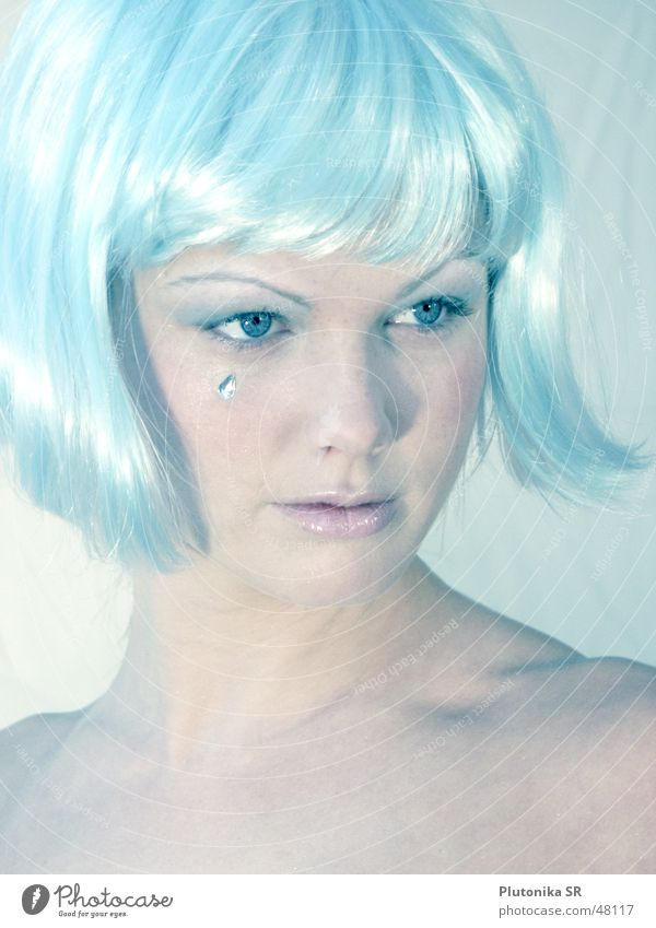 Ice Queen Light blue Wig Glittering Jewellery Cold Express train Pallid