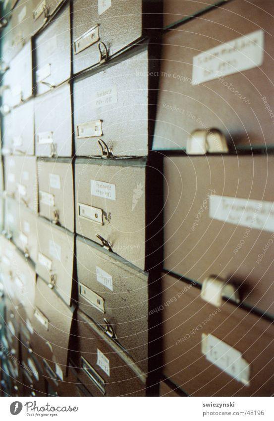 archiv3 {bundesprüfstelle für jugendgefährdende medien} (German Federal Examining Board for Media Harmful to Young Persons) Arrange