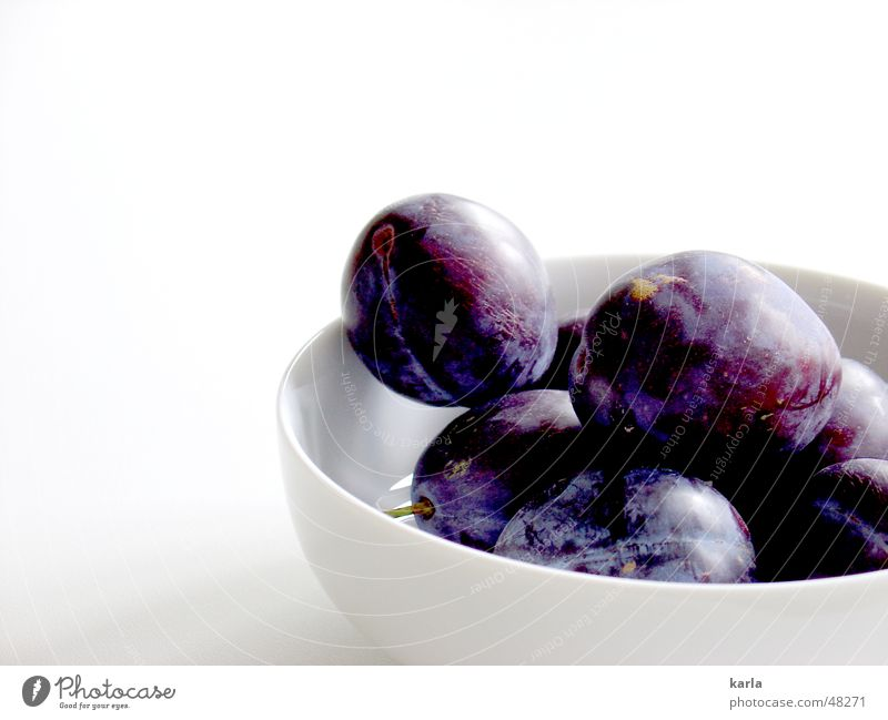 china gets the blues Plum Violet Healthy Sweet Fruity Delicious Vitamin Autumn Crockery Bowl Blue Organic produce