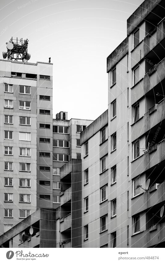 City House (Residential Structure) Dark Wall (building) Wall (barrier) Building Flat (apartment) Living or residing High-rise Gloomy Concrete Simple Culture