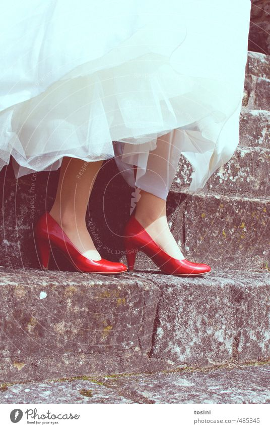 Red-White Style Wedding Woman Adults Feet 1 Human being Joy Happy Happiness Contentment Joie de vivre (Vitality) Footwear Wedding dress Contrast Stairs