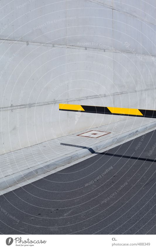 Black Yellow Wall (building) Street Lanes & trails Wall (barrier) Architecture Gray Facade Transport Wait Safety Asphalt Sidewalk Fence Barrier