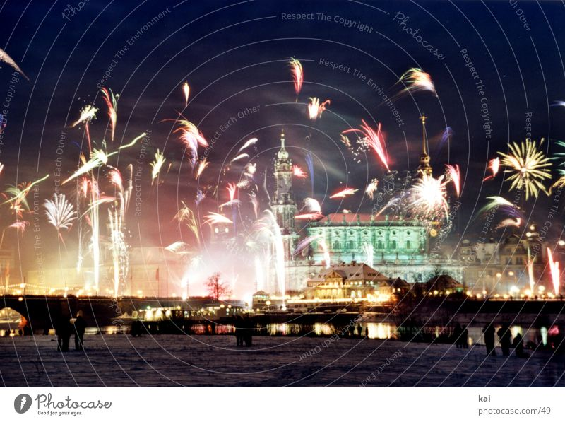 New Year's Eve 2001 Midnight Dresden Party Elbe terrace shore Firecracker Elbufer Night sky Spectacle Panorama (View)