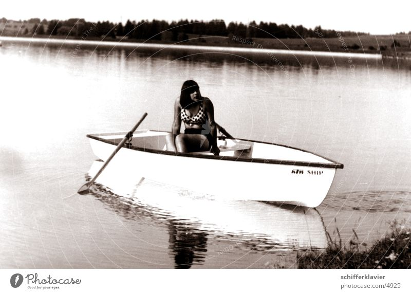 BoatBride03 Watercraft Woman Lake Historic Human being Paddle