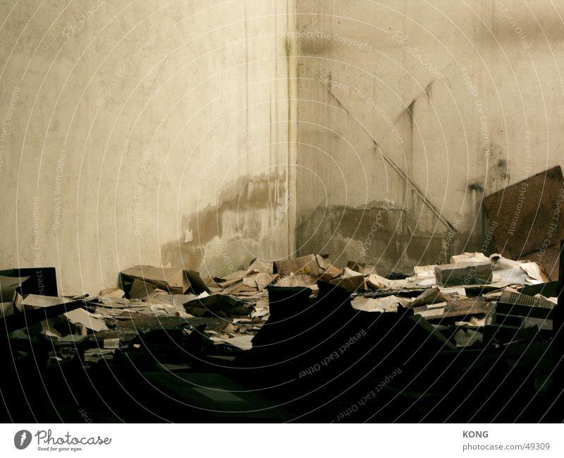 Old Loneliness Dirty Paper Broken Trash Derelict Dismantling