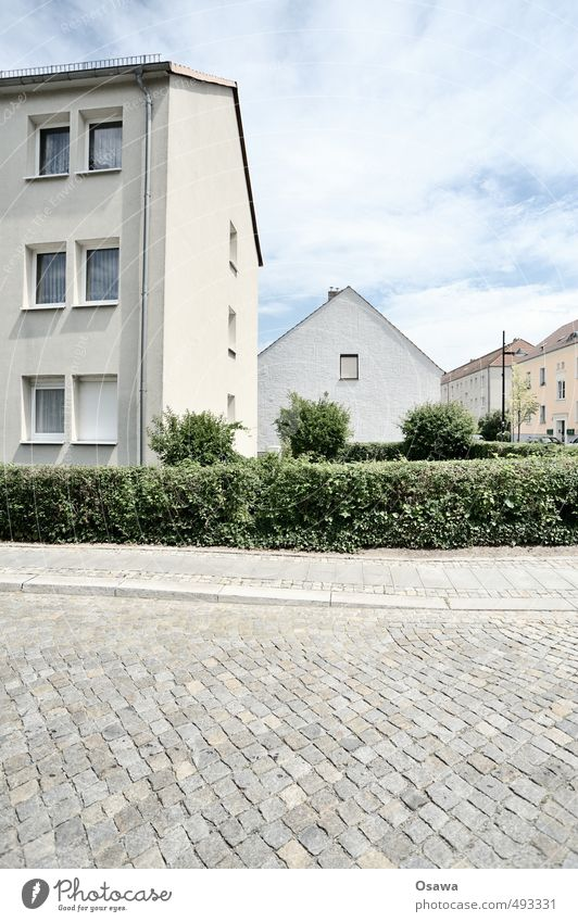 settlement Town Residential area Street Cobblestones House (Residential Structure) Apartment Building Settlement Subdued colour Hedge Summer Green Gray White
