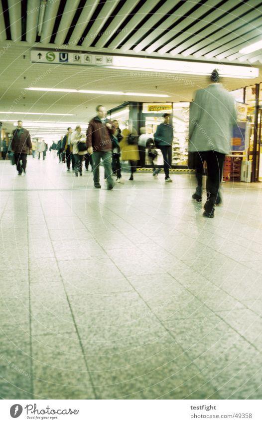 Human being Movement Lighting Railroad Underground Train station Road marking Stuttgart London Underground Commuter trains Underpass Central station