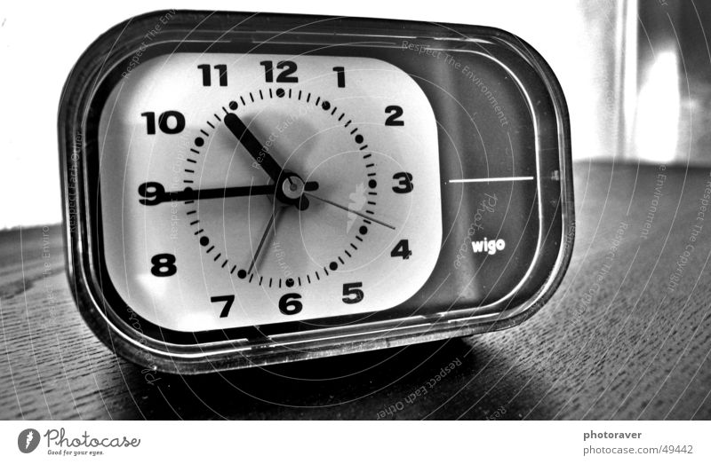 Retro Alarm Clock Alarm clock Old-school Time Black White Table wigo