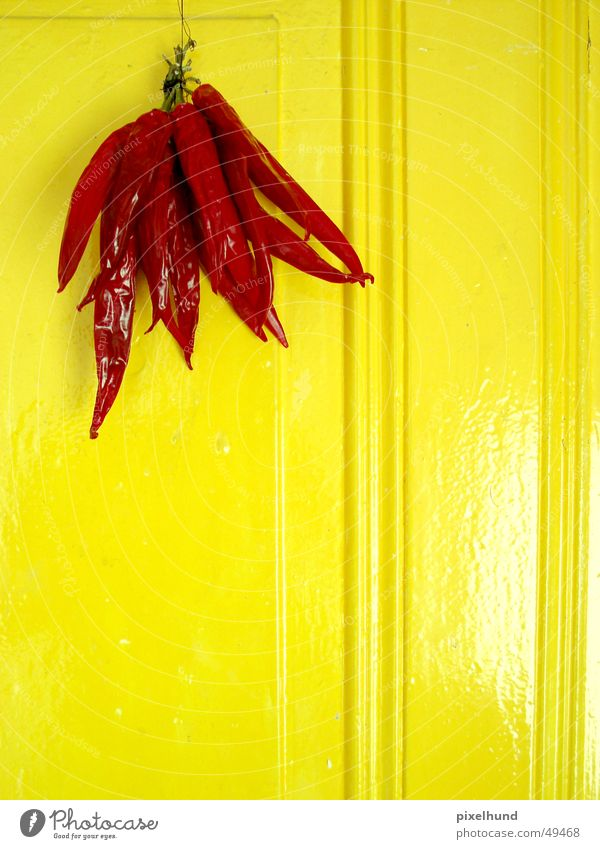 Red Yellow Door Tangy Dry Hang Chili Peperoni Arrostiti Peperoni Imbottiti