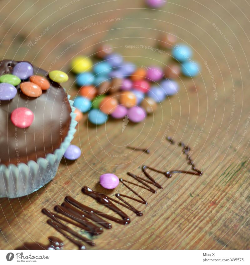 Food Birthday Decoration Nutrition Sweet Cooking & Baking Candy Delicious Cake Chocolate Baked goods Dough Dessert Wooden table Muffin Birthday cake