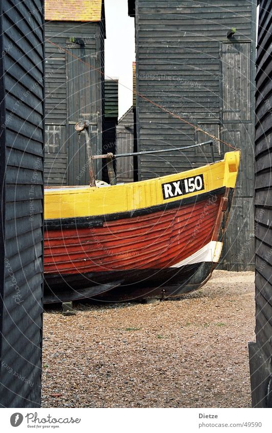 fishermans friend Watercraft Fishing boat Wood Yellow Black England Calm Plank Still Life Motor barge color composition Contrast Detail Vacation & Travel