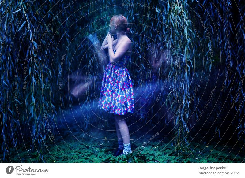 Tree Girl Forest Dark Movement Small Dream Mysterious Doomed Weeping willow