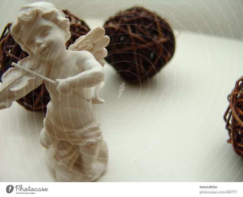 Christmas & Advent Angel Wing Sphere Violin Gypsum