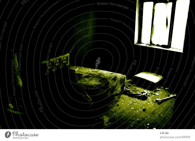 Green Room II Black White Light Window Dark Creepy Wall (building) House (Residential Structure) Floor covering Destruction Old Contrast Loneliness Blanket
