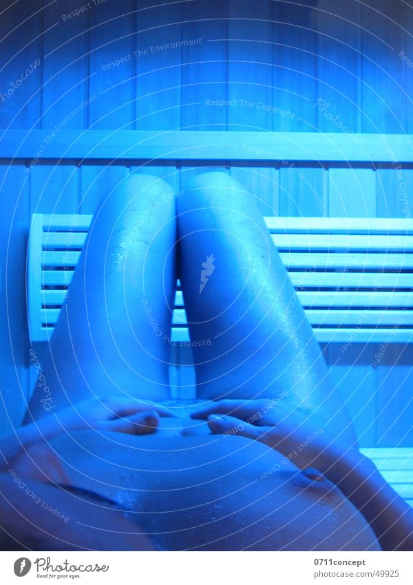 sauna session Woman Naked Perspire Physics Hand Wellness Relaxation Winter To enjoy Leisure and hobbies Sauna Body Breasts Chest Legs Blue Warmth Joy Life Happy
