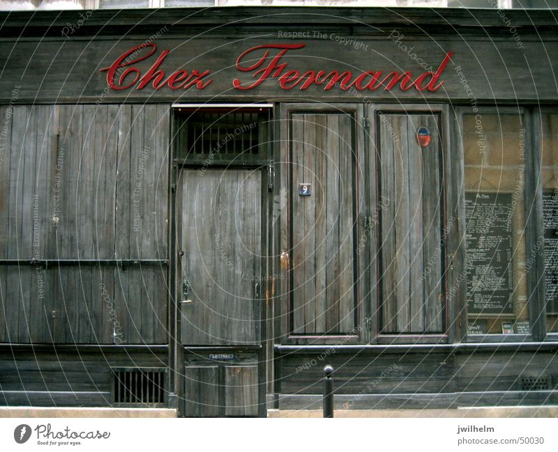 Closed restaurant in Paris Restaurant Chez Fernand Red Wood Dark Brown France Loneliness Individual Characters fermé Calm