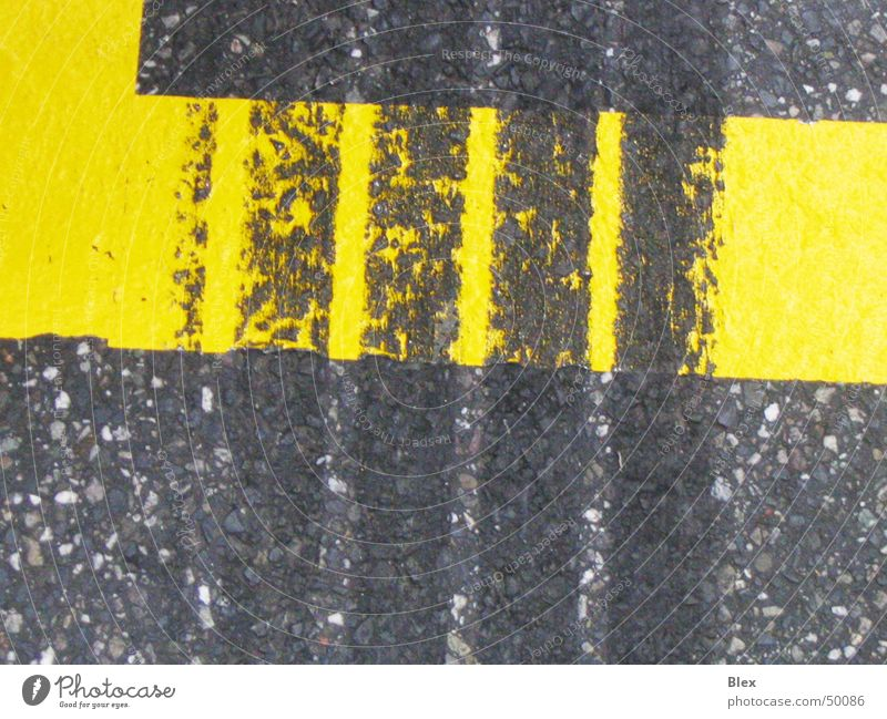skid mark Skidmark Tracks Friction Formula 1 Asphalt Rubber Macro (Extreme close-up) Animal tracks Road adherence Furrow Acceleration Tar Transport Black Yellow