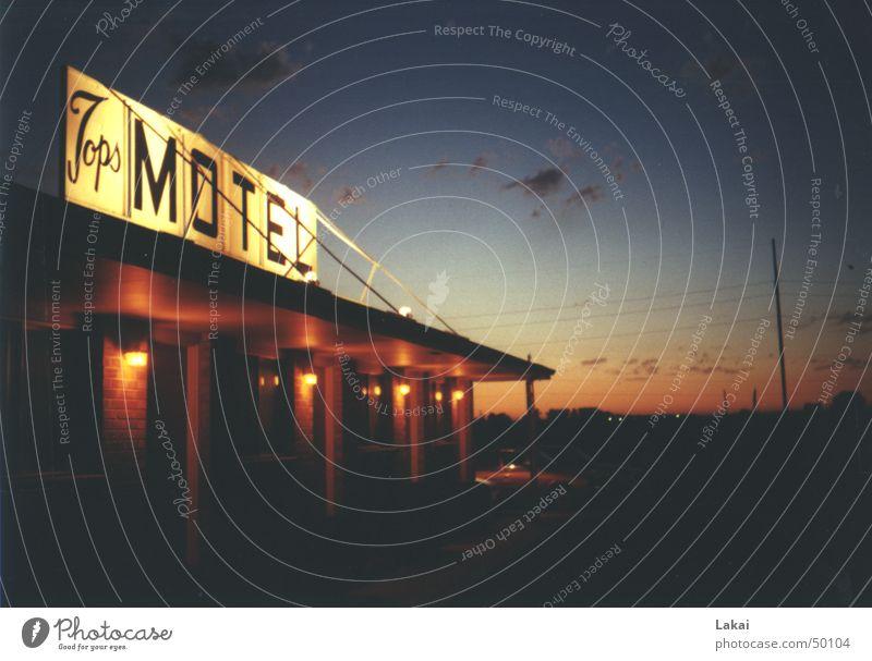 Motel USA Americas Loneliness Romance Calm Exterior shot Car Evening Sky