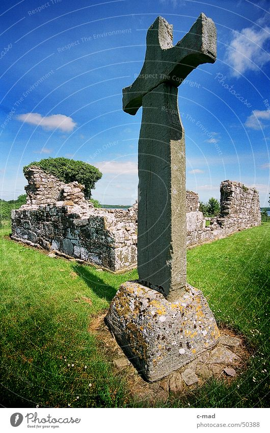 Inishmacnaire Monastery Ruin Northern Ireland Manmade structures Celts Cemetery Grave Clouds Summer Green Gray Wide angle Construction site Back