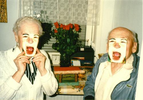 the card trick Human being Style Man Woman Transform Relationship Retro Senior citizen Scream Grandmother Grandfather Joy Communicate Card Funny Mask Life