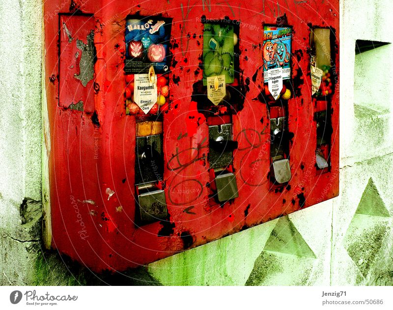 Candy Trash Scrap metal Chewing gum Vending machine Russia Moscow Gumball machine