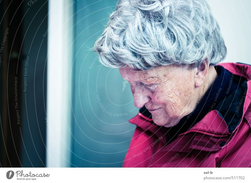 cold house Care of the elderly Contentment Relaxation Living or residing House (Residential Structure) Room Human being Feminine Female senior Woman Grandmother