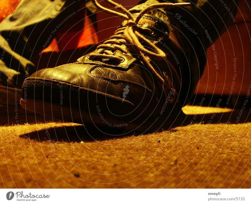 Human being Footwear Floor covering Carpet Perspiration Shoelace