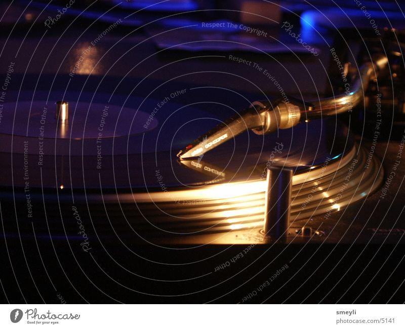 Lie Music Dance Event Concert Club Disco Disc jockey Record Pick-up head Crash Techno Pop music Hip-hop Handbill Printed Matter