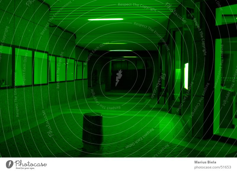 Green? Yes green! Tunnel Light Dark Window Bench ec Colour Corridor
