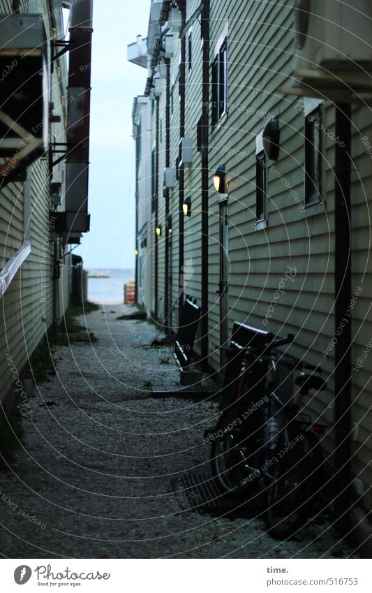 Sky City Loneliness House (Residential Structure) Beach Window Wall (building) Lanes & trails Coast Architecture Wall (barrier) Horizon Facade Door Bicycle