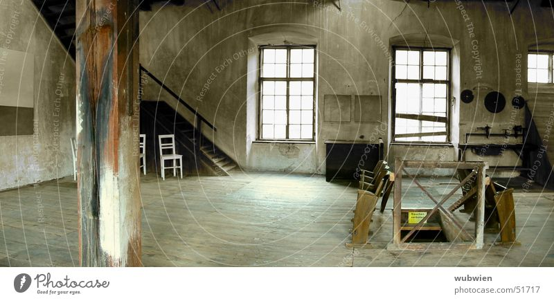 WORK ROOM Atelier Dusty Attic Austria Old Warehouse Empty