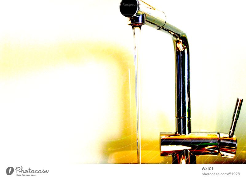 golden water Flow Glittering Yellow Chrome Water Fittings Metal Reflection spitting Glass Gold silver