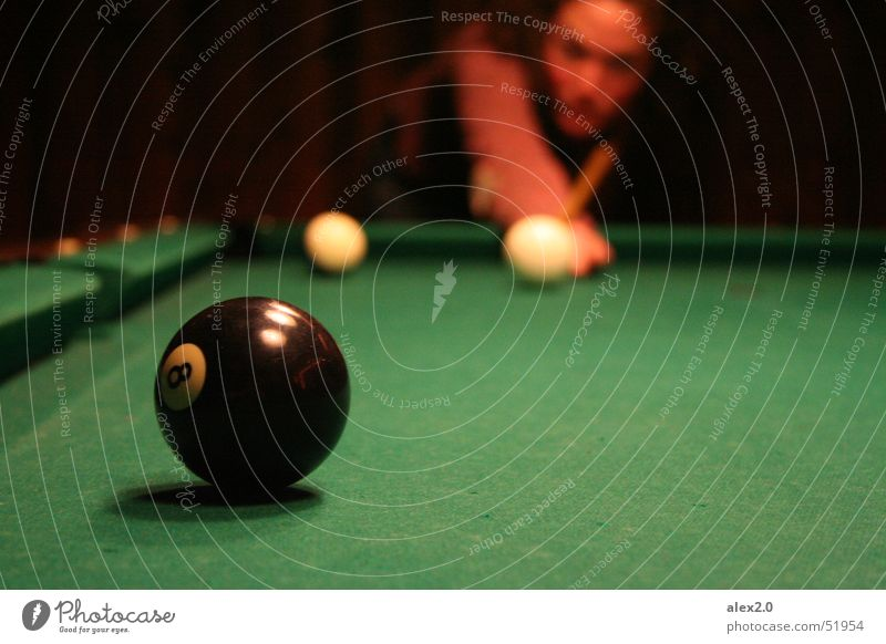 White Green Black Playing Ball Sphere Concentrate Curl 8 Pool (game) Precision Curly Queue