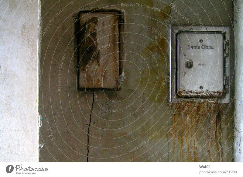 Santa´s front door Fireside Attic Opening Aluminium Wall (building) Wall (barrier) Chimney Door Dirty dirt Ashes claus Soot