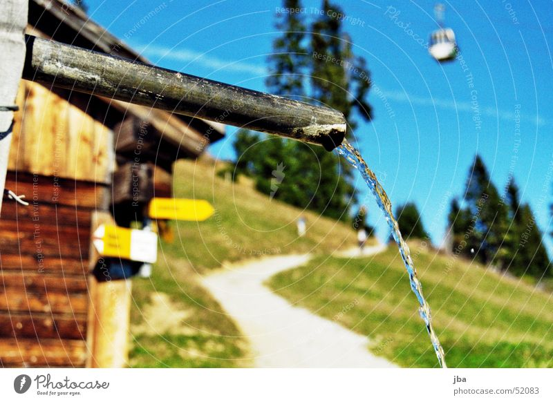 Water Lanes & trails Drinking water Well Footpath Hut Pipe Iron-pipe Road marking Alpine pasture Gondola Alpine hut Jet of water Freshwater Wooden hut Runlet