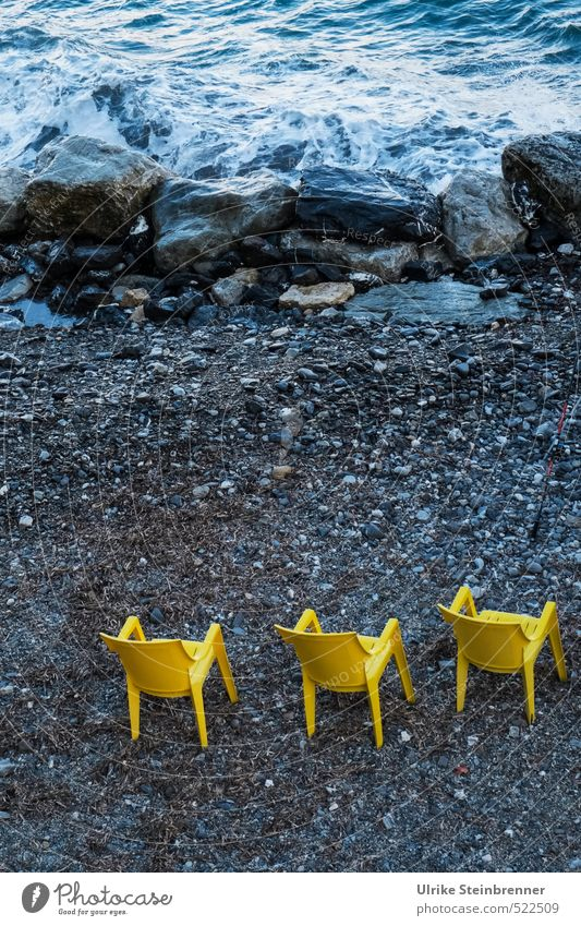 Trio giallo Style Fishing (Angle) Chair Nature Landscape Earth Water Autumn Bad weather Rock Waves Coast Ocean Mediterranean sea Plastic Observe Stand Wait