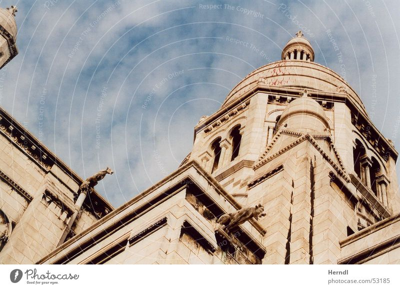 Sky Wall (barrier) Religion and faith Art Tower Paris Tourist Attraction Domed roof Sacré-Coeur