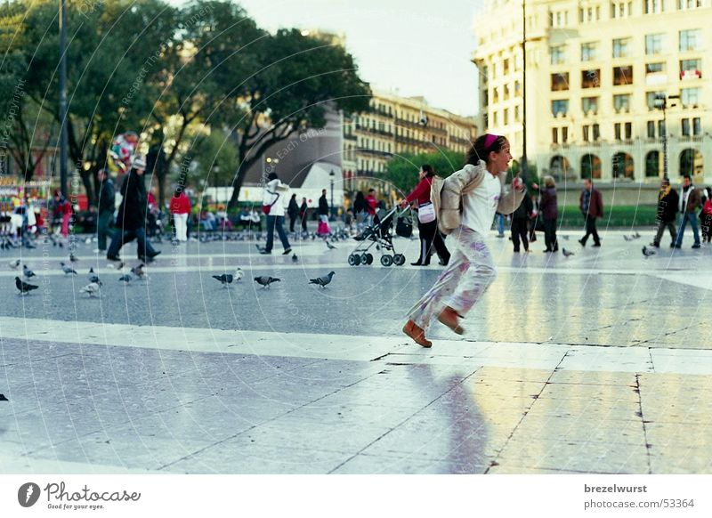 Human being Child Girl Park Bird Argentina Walking Running Speed Places Buenos Aires Pigeon Pedestrian Barcelona Pedestrian precinct Plaza