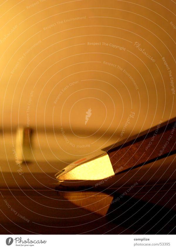 Music Orange Gold Technology Tracks Disco Gastronomy Mirror Part Club Concert Loudspeaker Disc jockey Window pane Furrow