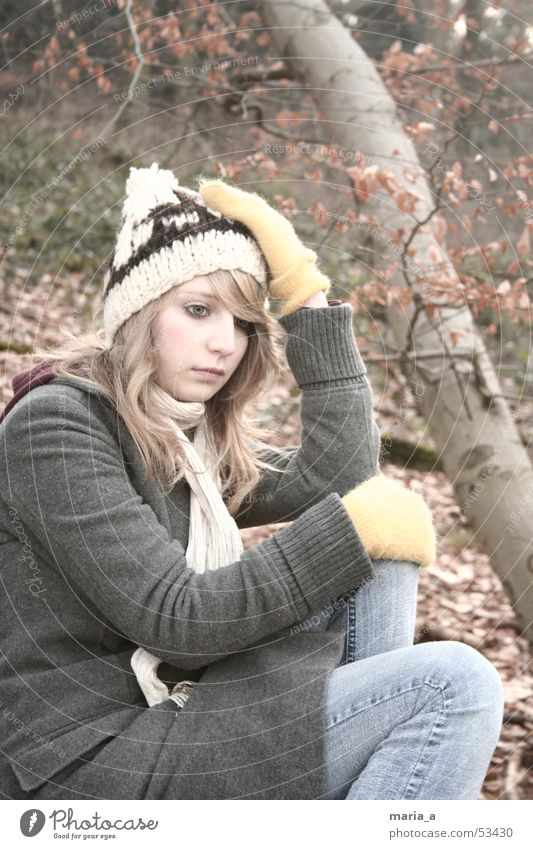 Woman Human being Tree Winter Leaf Forest Cold Autumn Think Blonde Sit Jeans Cap Tree trunk Coat Rag