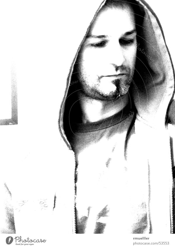 il cappucino Clothing Hooded (clothing) Portrait photograph Black Facial hair Black & white photo Man Oakley Eyes clothes