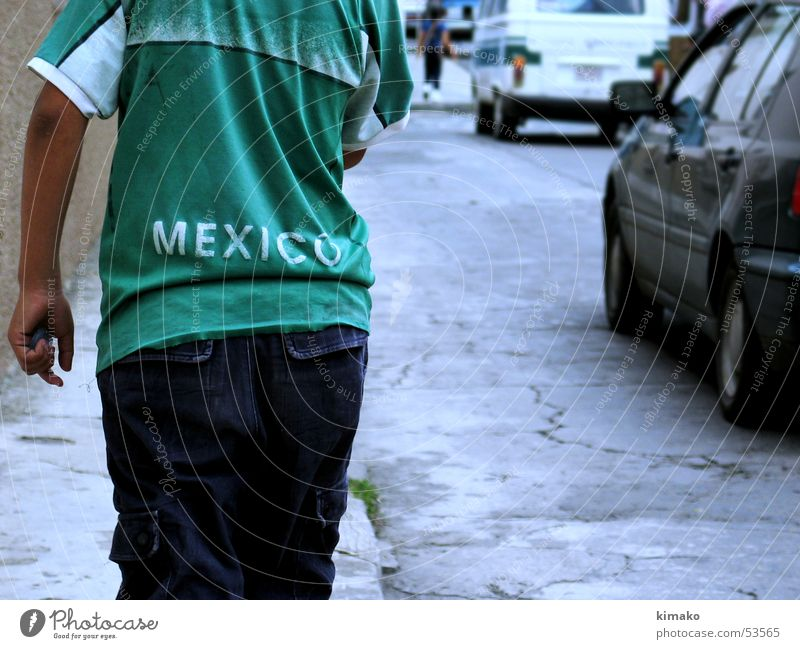 Mexico Shirt Green mexican street T-shirt poor boy walk Poverty Boy (child) Lanes & trails kimako