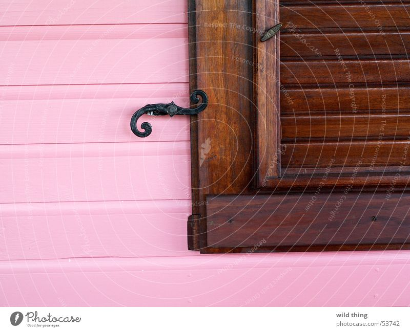 PINk Window House (Residential Structure)
