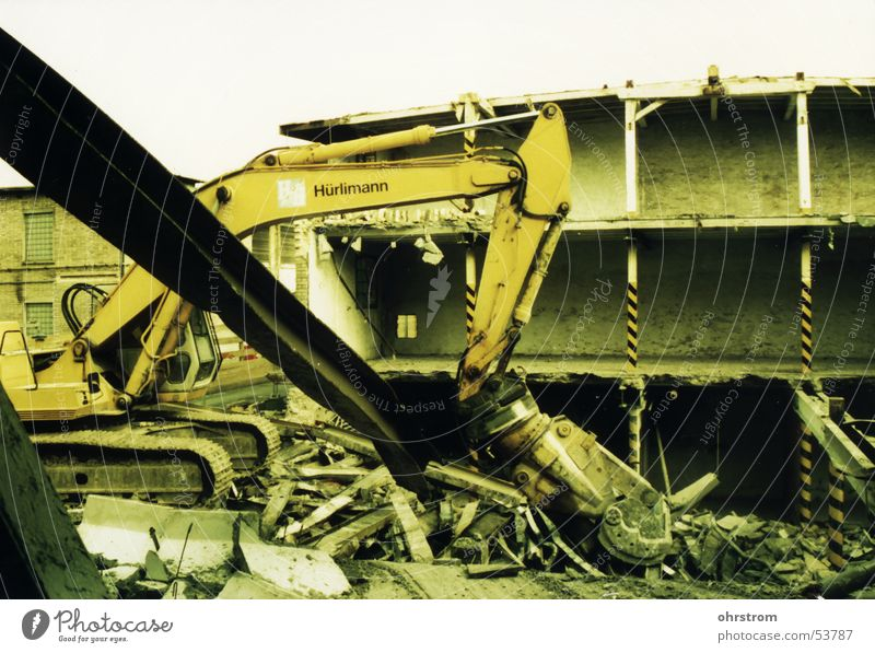 hurly-burly Excavator Dismantling Construction site