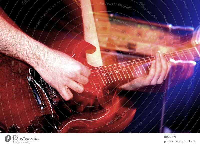 Human being Colour Playing Music Masculine Lifestyle Leisure and hobbies Shows Club Touch Concert To hold on Rock music Part Guitar