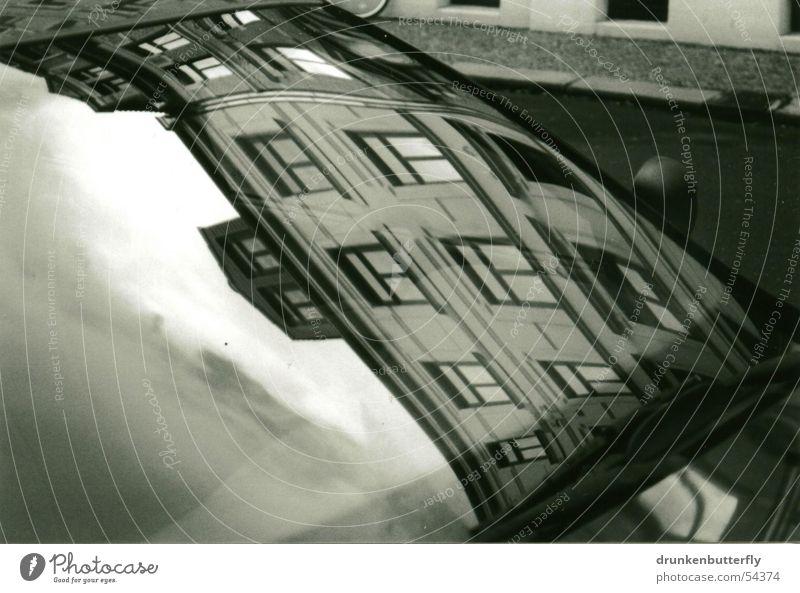 Sky House (Residential Structure) Street Window Car Window pane Windscreen Windscreen wiper