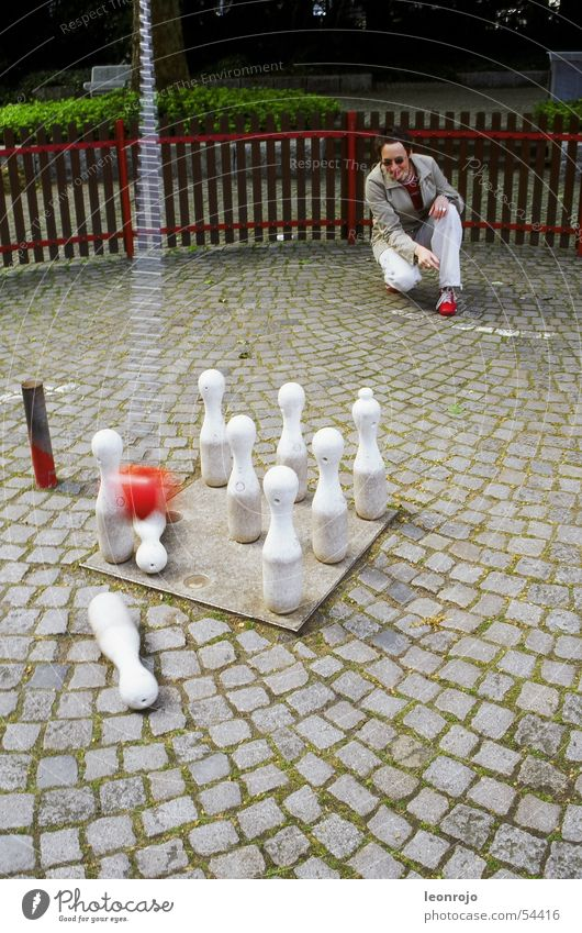 White Red Stone Ball Fence Cobblestones Chain Conical Bowling ball
